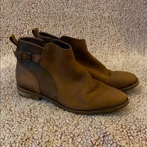 Ugg Genuine Leather Boots with Sherpa Inside